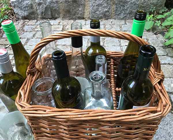 Recycling / Flaschen im Korb